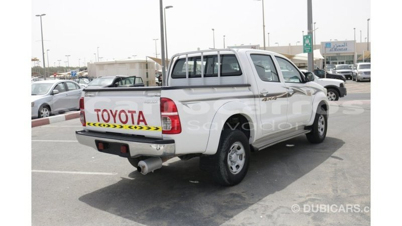 Big with watermark toyota hilux ahuachapan import dubai 3782