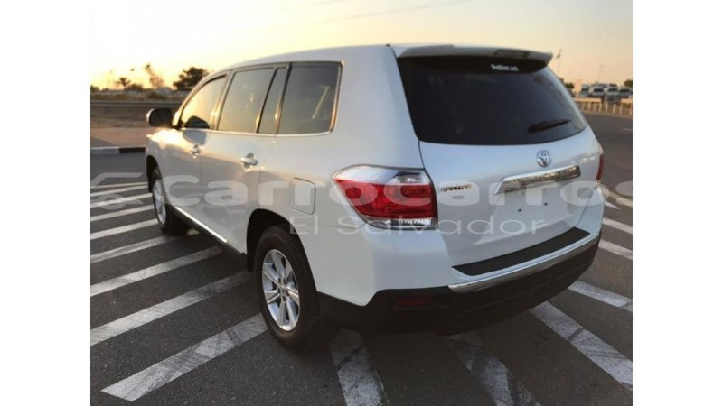 Big with watermark toyota highlander ahuachapan import dubai 4070